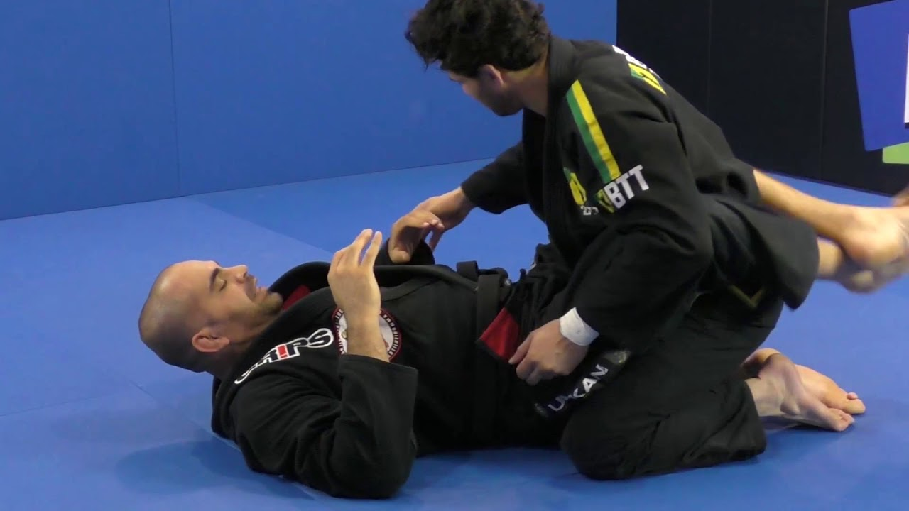 Wrist Lock From Bottom Closed Guard by Rodrigo Artilheiro