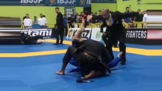 Tommy Langaker Tapps out Erberth Santos With a triangle choke – Euros 2018
