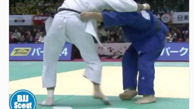 Travis Stevens with the flying sub to a pass – BJJScout