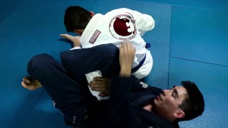 How To Re-Omoplata When The Opponent Rolls Out