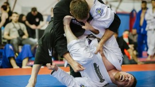 Open Guard Sweeps with a Knee Injury – Nick Albin