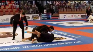 Felipe Pena Setup Of Inverted Triangle @  Abu Dhabi World Pro 2018