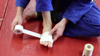 How To Tape Your Foot If You Get Mat Burn