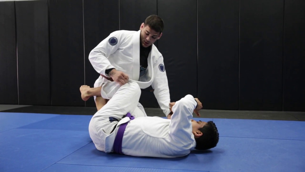 Inverted DLR pass – Jonnatas Gracie