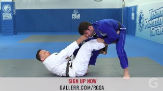 Renzo teaches a sweep from the DLR guard