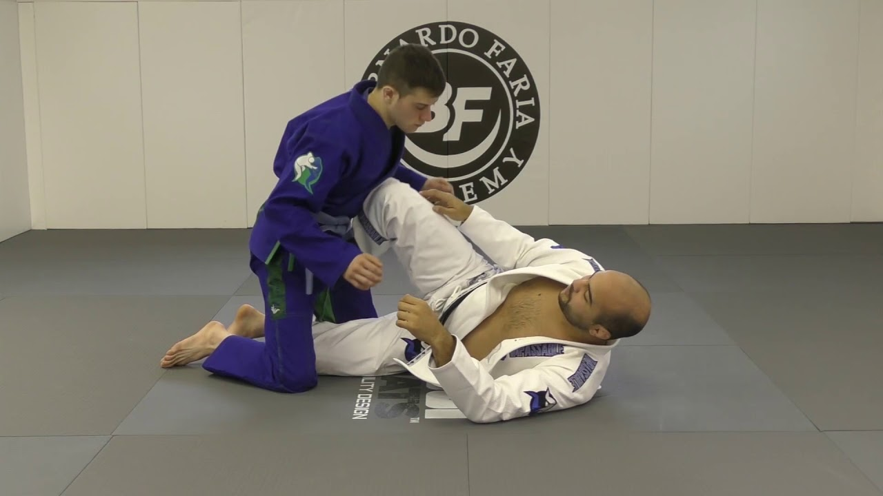 Knee Shield Basics by Bernardo Faria