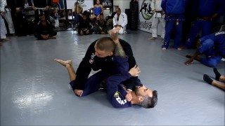 Sérgio Bolão Shows a Carlson Gracie Style Pass