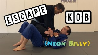 Simple way to DEFEND and ESCAPE Knee-on-Belly