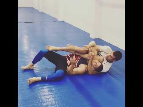 The sneakiest Jiu-Jitsu choke ever by Ricardo Migliarese