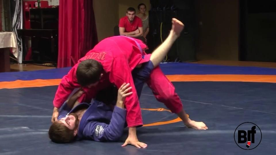 Mega Knee Reap at UWW Grappling- Nightmare for IBJJF referee