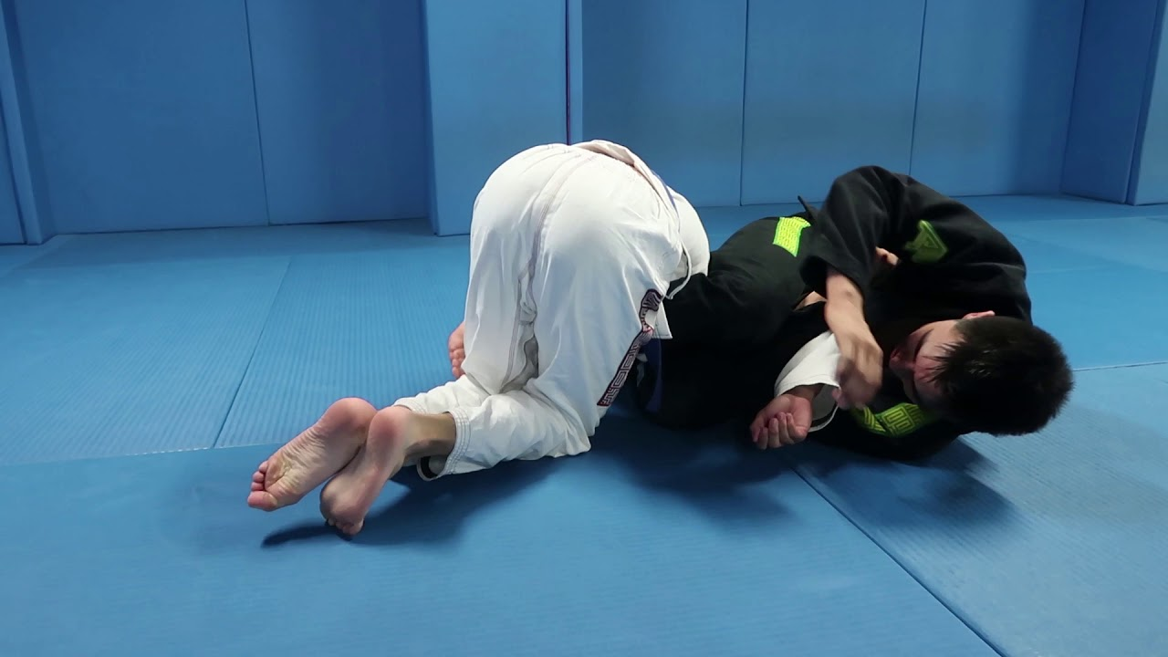 Easy way to make your opponent expose his arms in turtle + inverted armbar