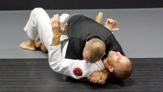 Recovering The Underhook From Bottom Half Guard