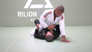 Great Details To Cross Collar Choke From Mount