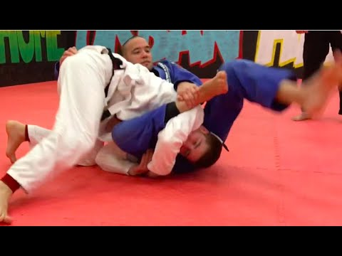 Most unexpected triangle choke variation for BJJ
