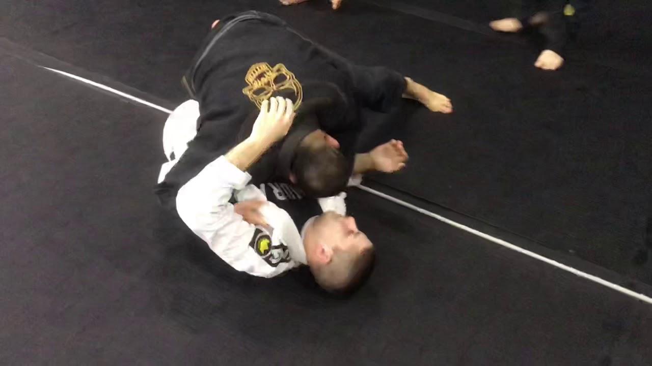Side Smash/ Folding pass to arm-in Ezekiel